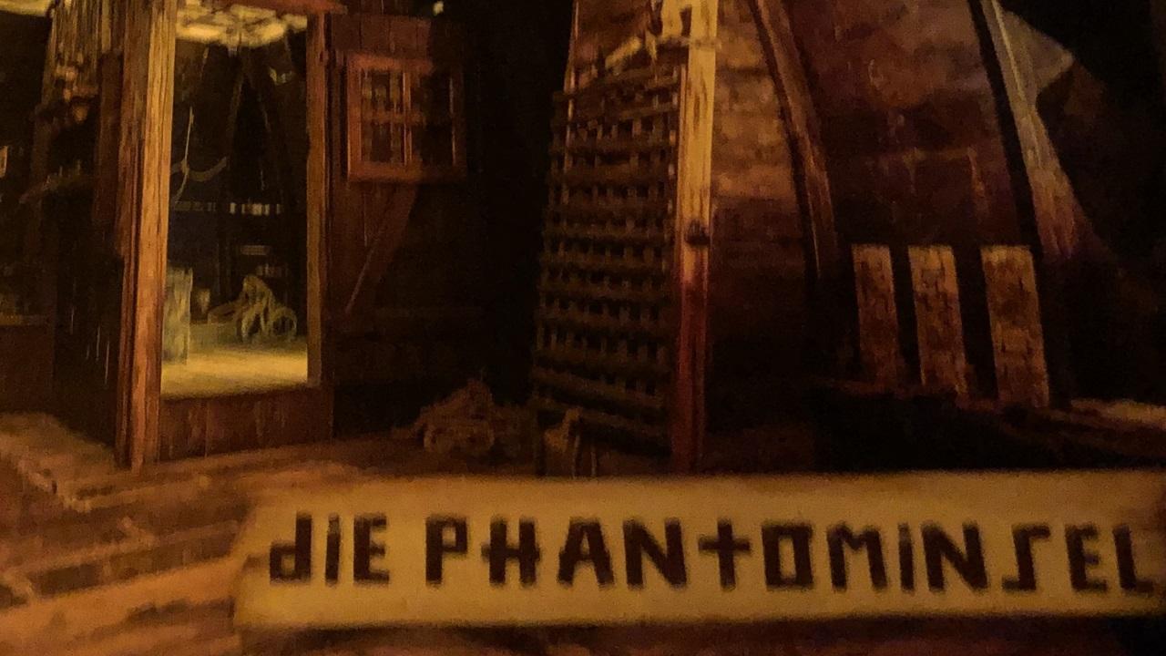 STUBENZOCKER ON TOUR: Skurrilum – Die Phantominsel